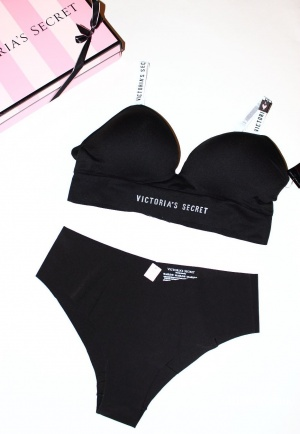 Комплект Victoria's Secret бралетт и трусики, размер L