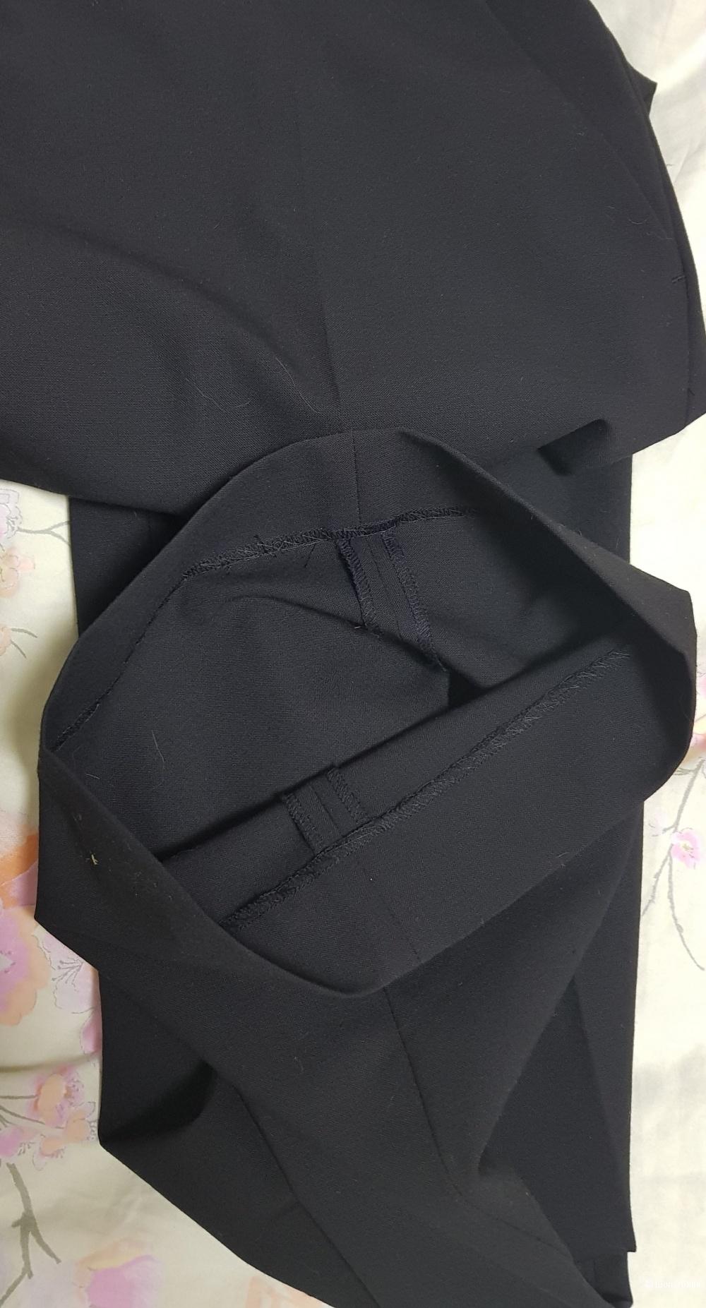Брюки черные ARMANI JEANS, 48 размер