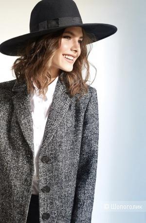 Демисезонное пальто Pompa 42 размер