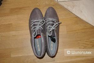 Кожаные ботинки Buffalo London 41 размера