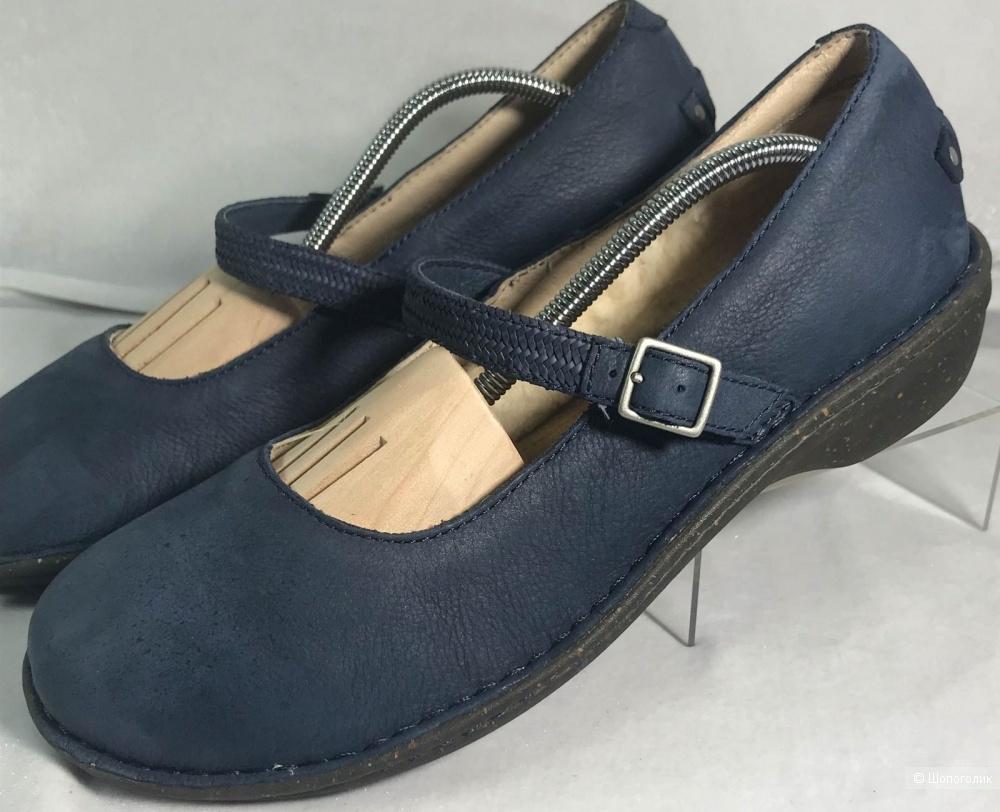 UGG Size US 11 EU 42  Blue Suede Mary Jane Flats