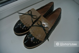 Кожаные туфли Pertini 40 размера
