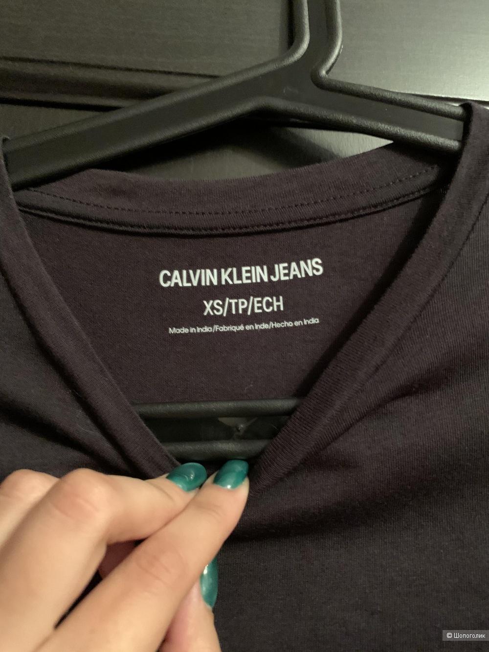 Футболка Calvin Klein, размер XS