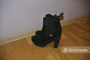 Замшевые ботинки Cesare Paciotti 4US 41 размера