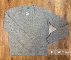 Пуловер женск. Benetton, шерсть, размер М
