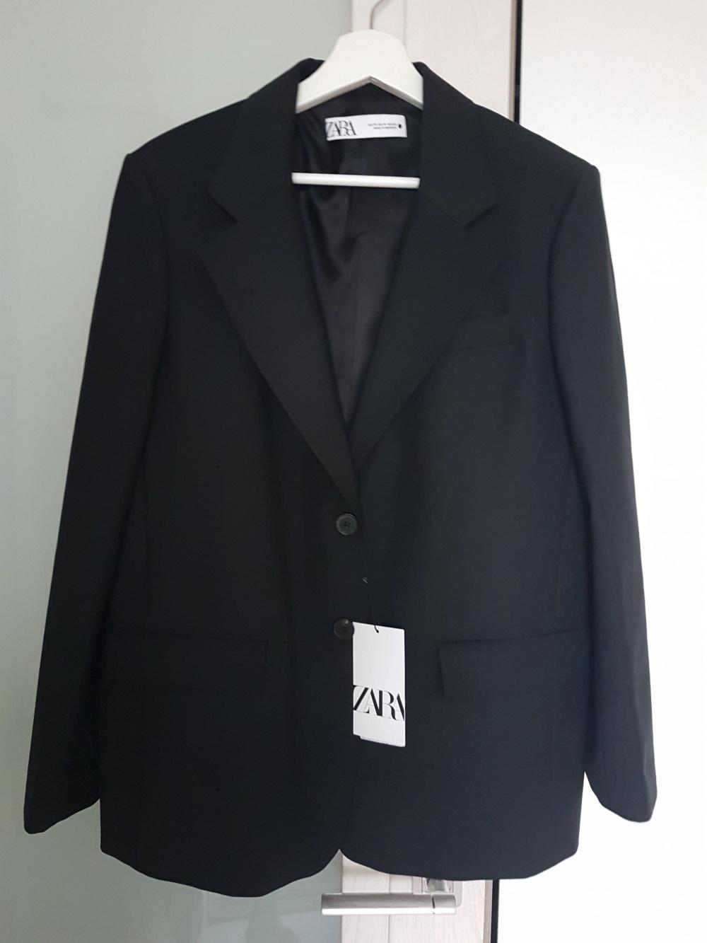 Шерстяной пиджак ZARA, размер M
