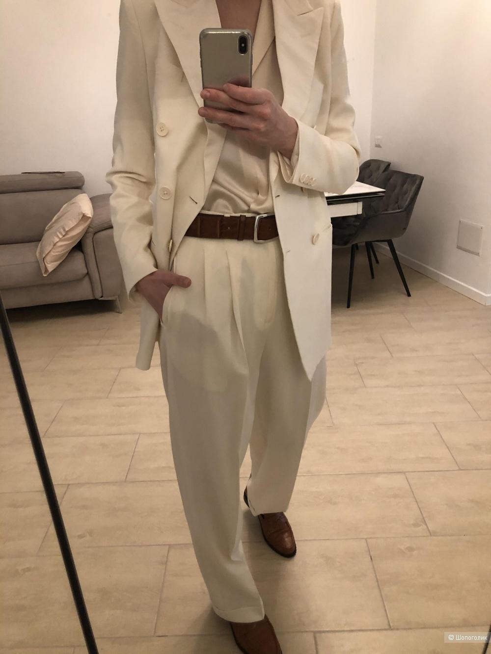 Костюм Ralph Lauren размер 42.