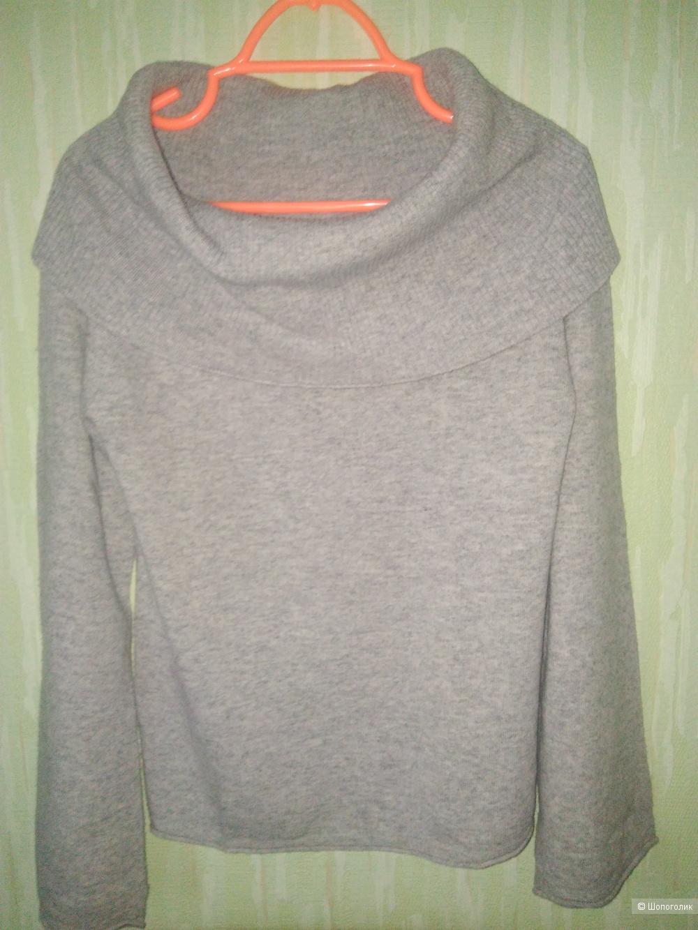 Шерстяной свитер Benetton S