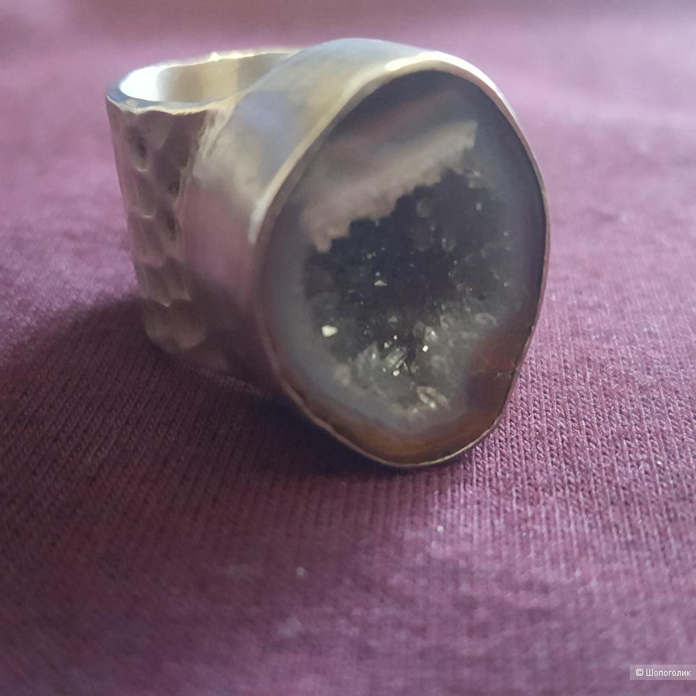 Серебряное  кольцо с друзой аметиста размер 17