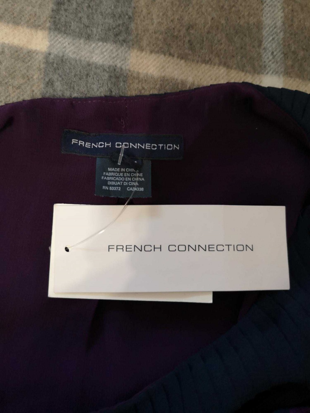 Платье French Connection, 4US