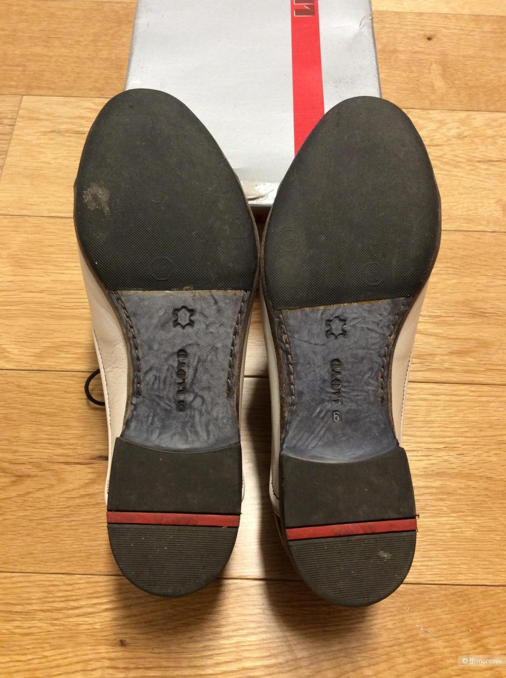 Туфли на шнурках Lloyd р.39-40