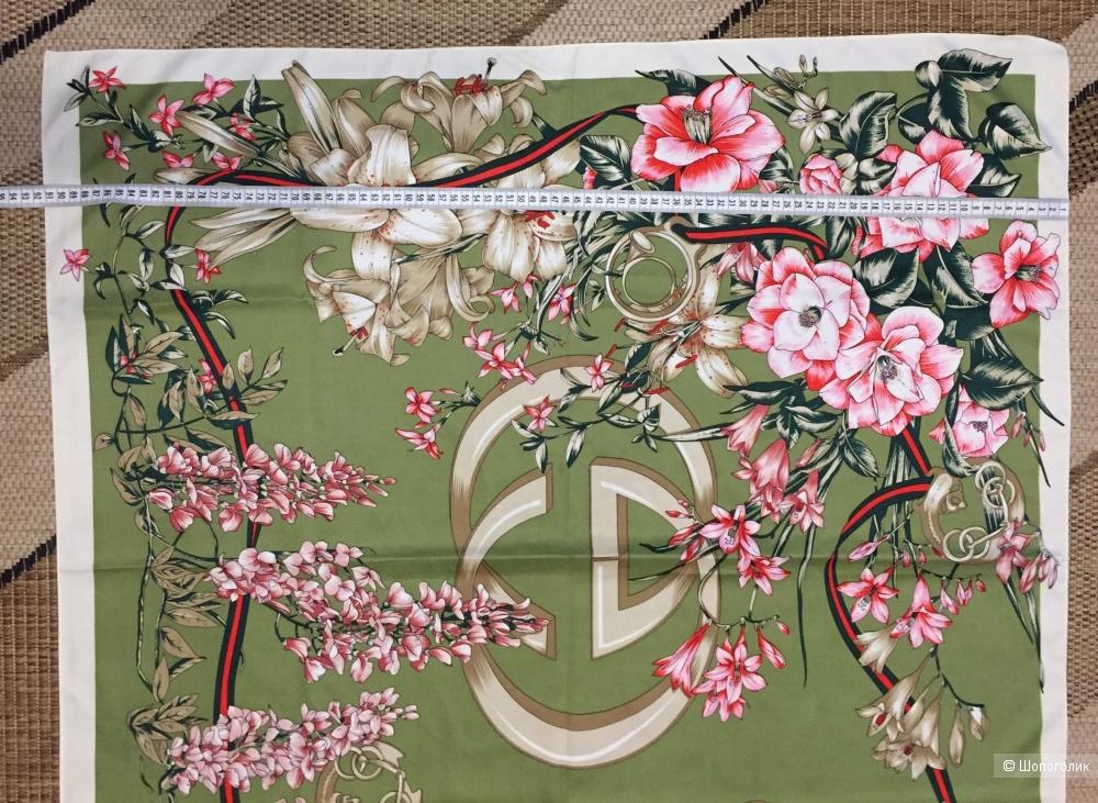 Платок Gucci 90x90 см