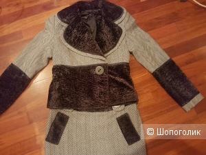 Шерстяной костюм 44- 46 размер