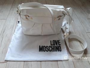 Сумка Love Moschino.