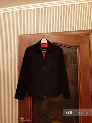 Куртка Guess р.42