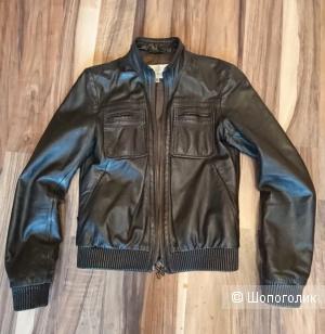Куртка GF Ferre раз.40