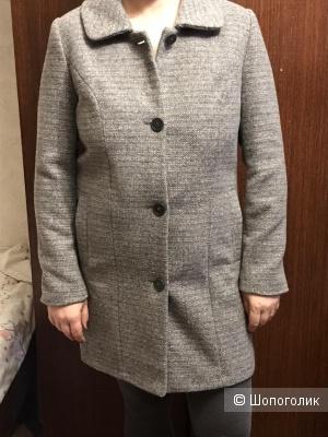 Новое пальто на 46 размер