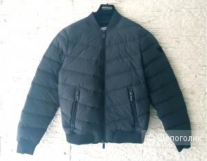 Куртка Armani Jeans, новая с этикеткой размер M (eu)