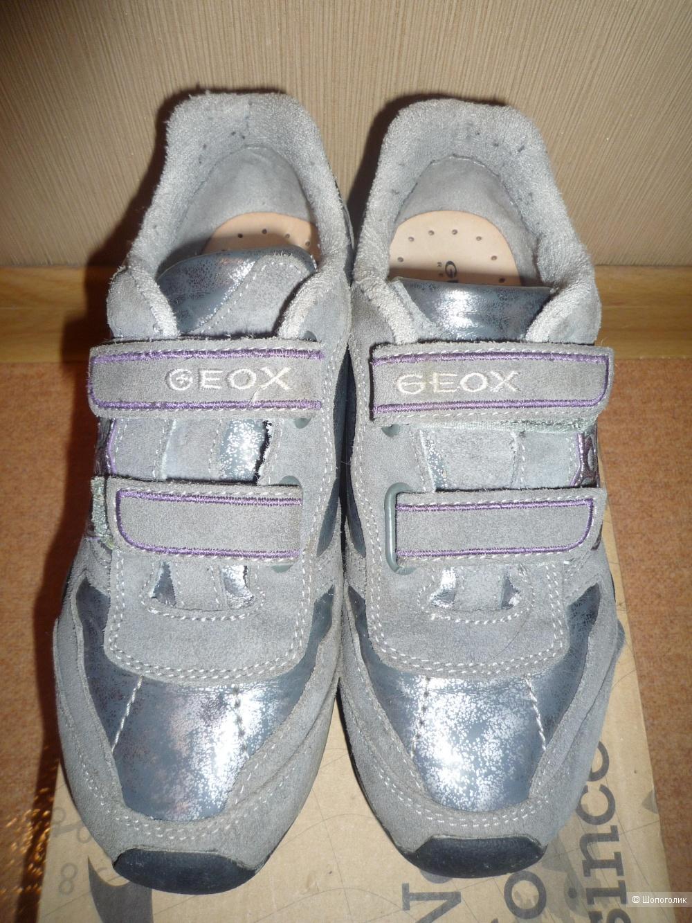 Кроссовки GEOX с мигающими огоньками 34 размер