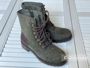 Ботинки UGG р. 35,5