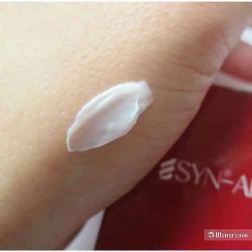 Антивозрастной крем для кожи вокруг глаз Secret Key Syn-Ake Anti Wrinkle Whitening Eye Cream со змеиными пептидами Syn-Ake