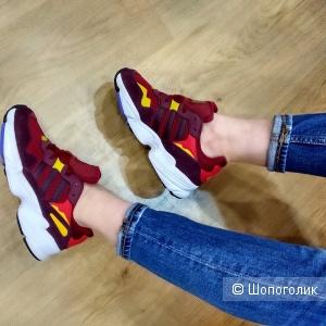 Кроссовки Adidas  36, 37, 38, 39, 40 размер