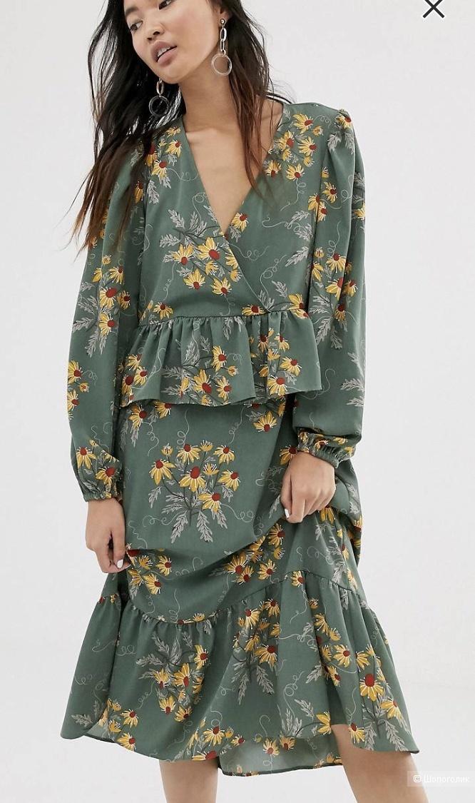 Платье Monki, размер s.