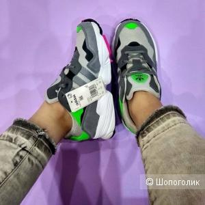 Кроссовки Adidas yung  37, 38, 39  размер