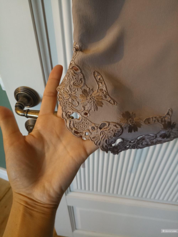 Шелковое платье Silvian Heach XS на 40-42 рус