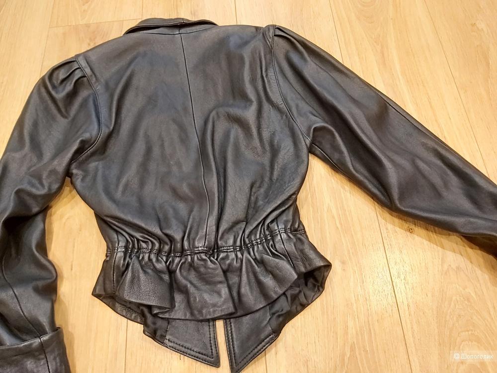 Кожаная куртка, Valentino, 42 р.
