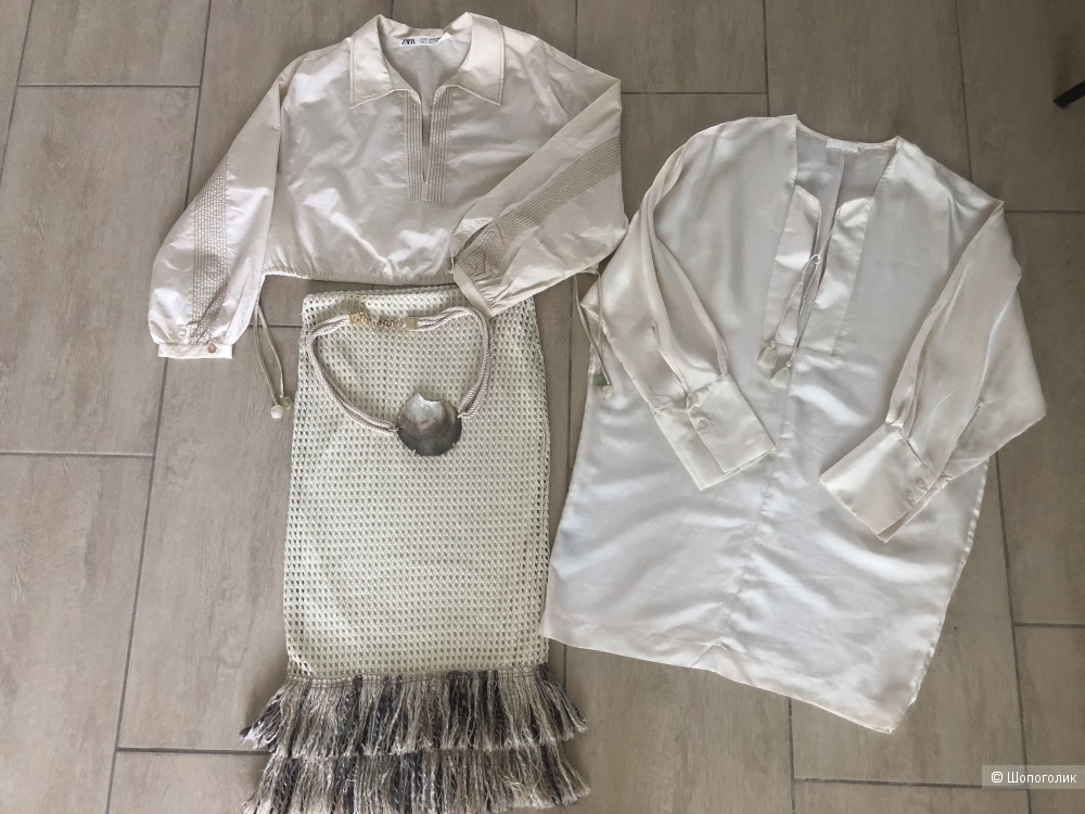 Сет из 3 вещей, 2 рубашки и Юбка. Размер S.