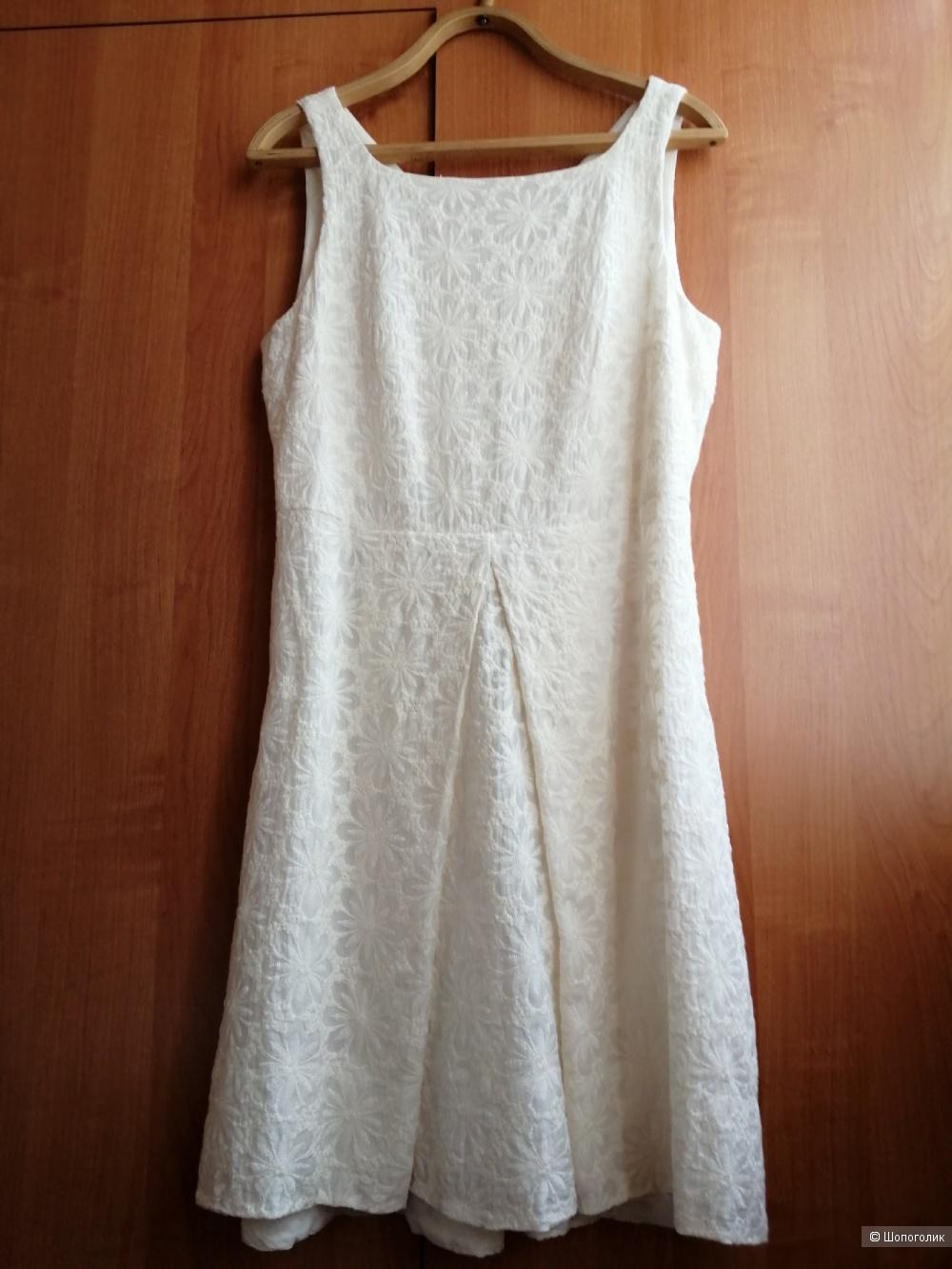 Платье BRIAN DALLES размер 46