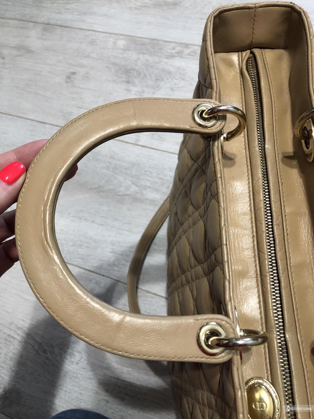 Сумка Christian Dior размер 32 на 25 см