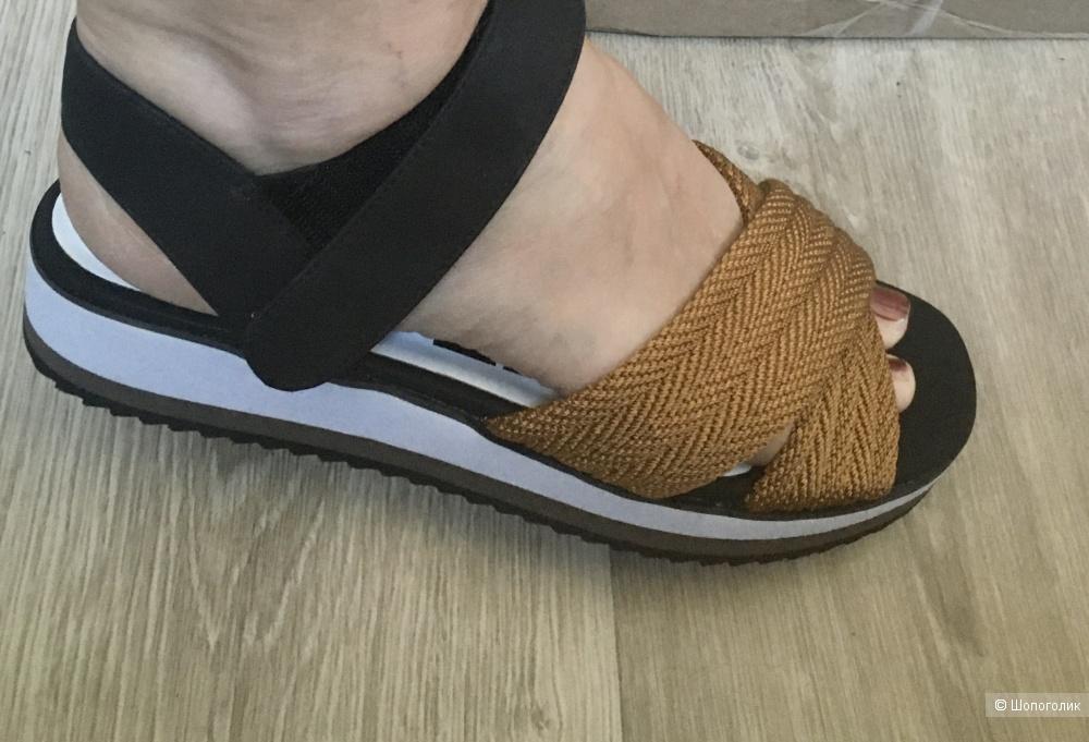 Босоножки сандалии Bimba y Lola размер 40 на 39