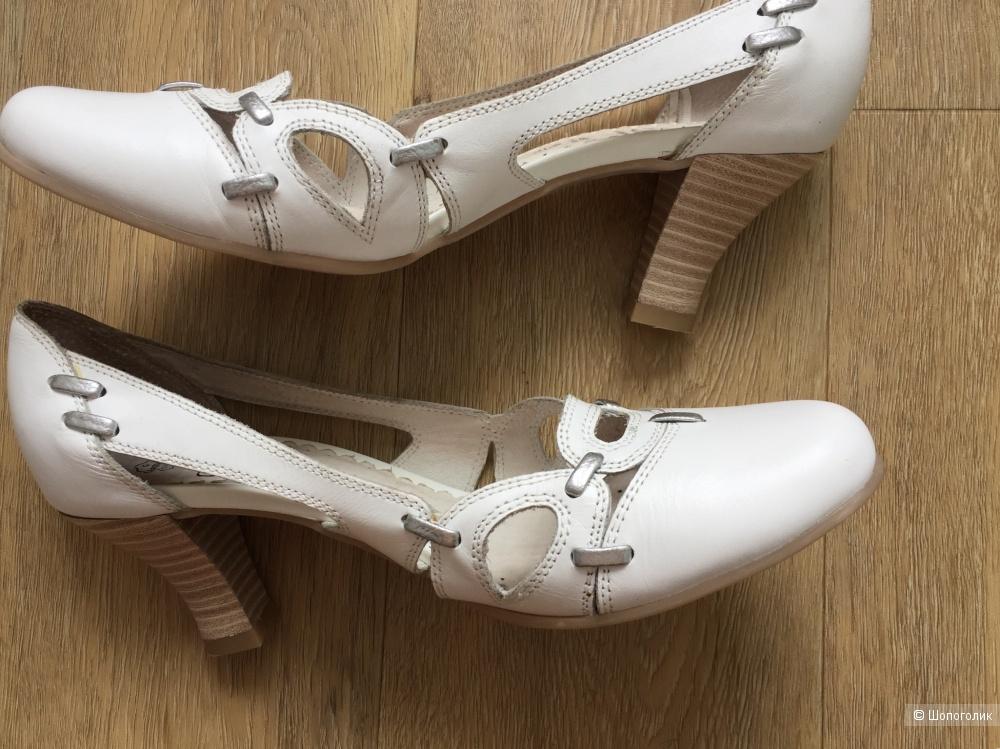 Туфли Caprice 40 размер