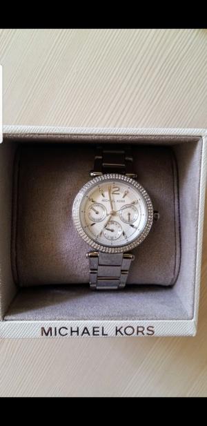 Часы Michael Kors. Диаметр 32мм.