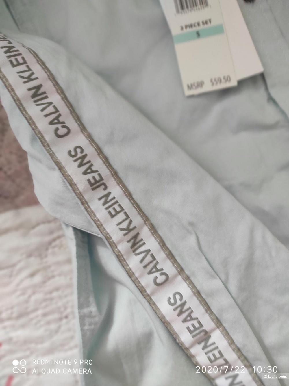 Костюм Calvin Klein,размер 6 лет