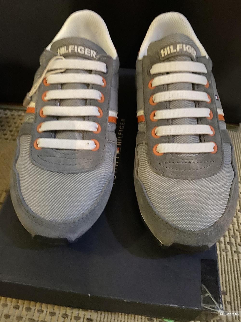 Детские кроссовки  TOMMY HILFIGER. Размер 33. По стельке 22 см