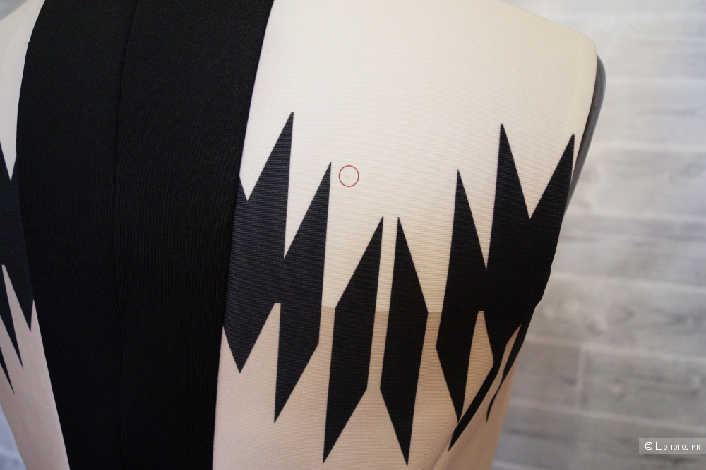 Vince Camuto платье р.42-44