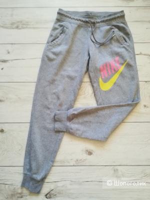 Спортивные брюки Nike,s/m