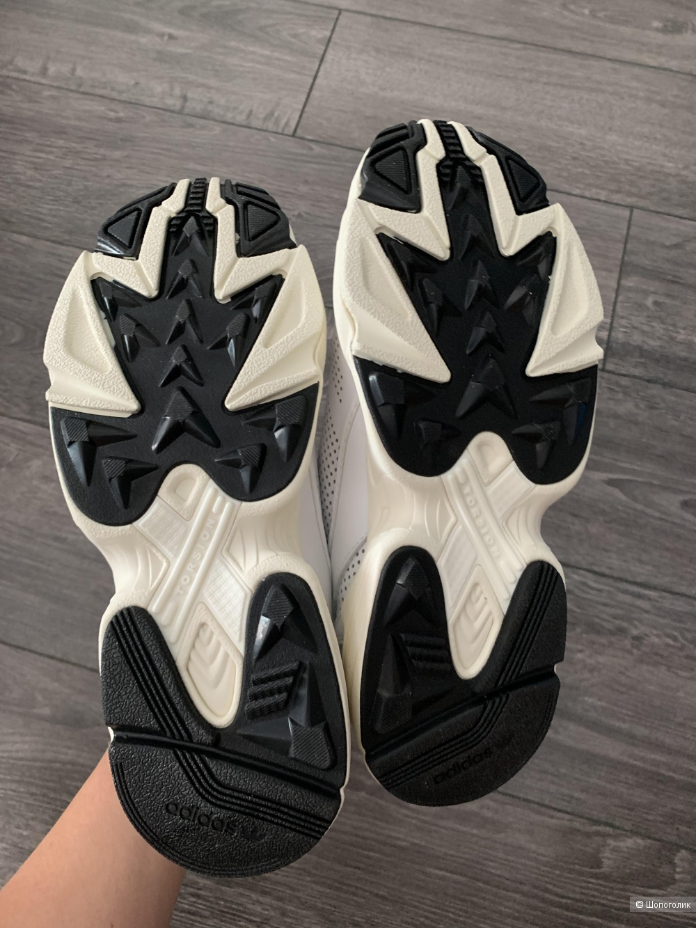 Кроссовки кожаные Adidas originals модель Falcon размер 38 eu / 5 uk