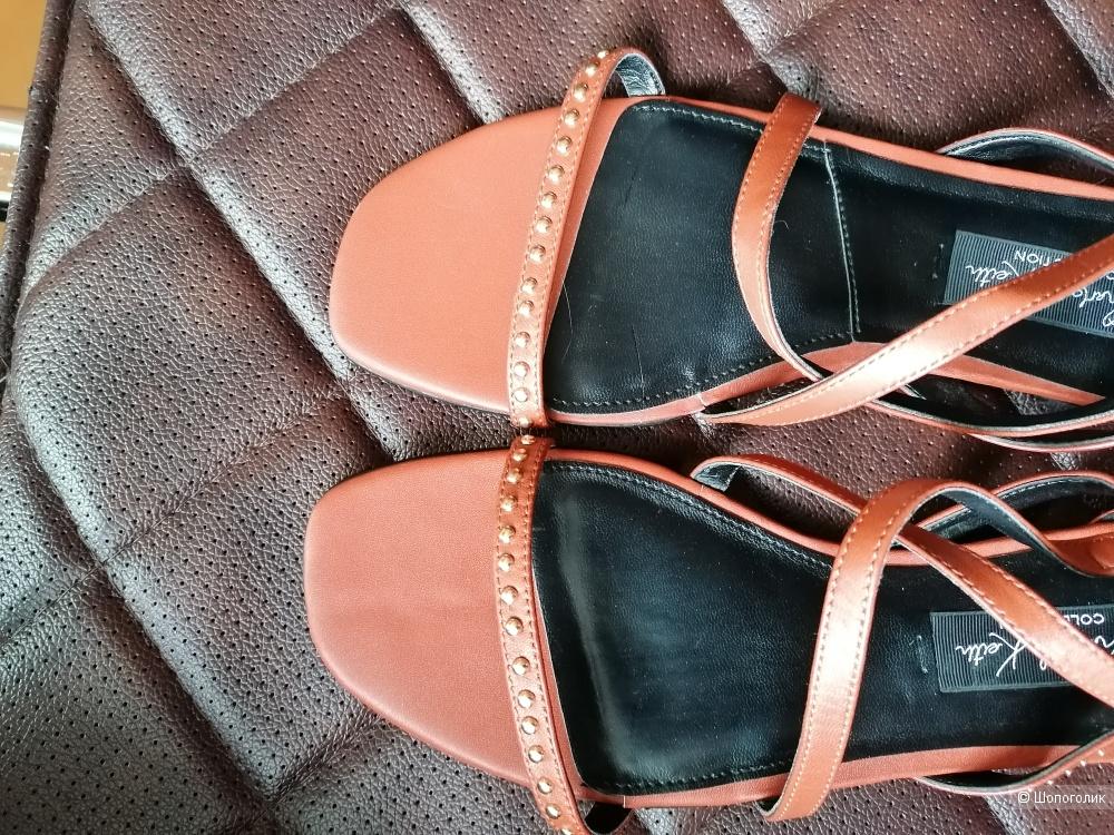 Кожаные сандалии Charles & keith размер 40