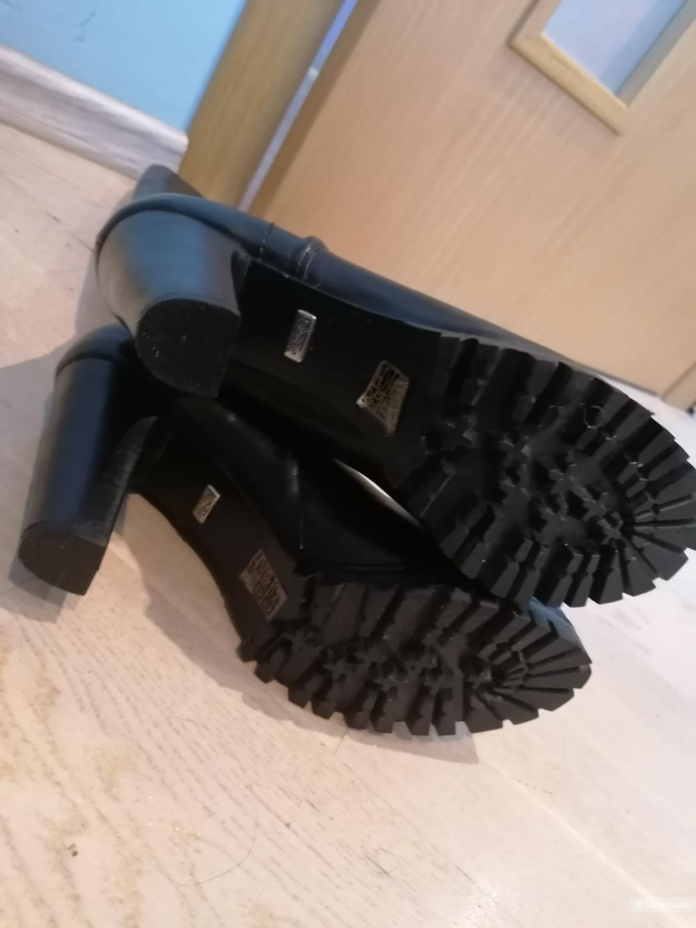Кожаные сапоги Buffalo 40 размера