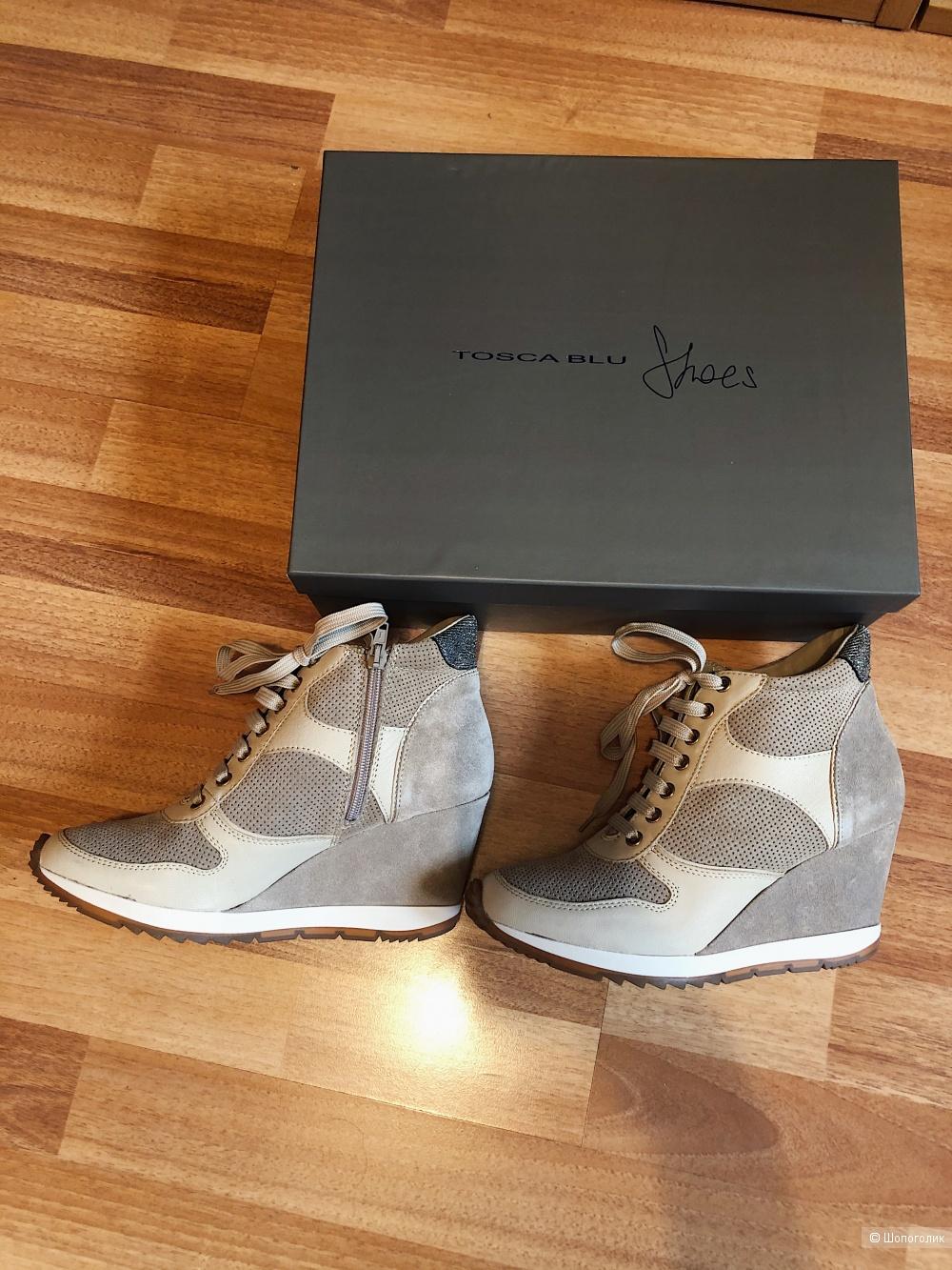 Ботинки Tosca Blu 39 размер