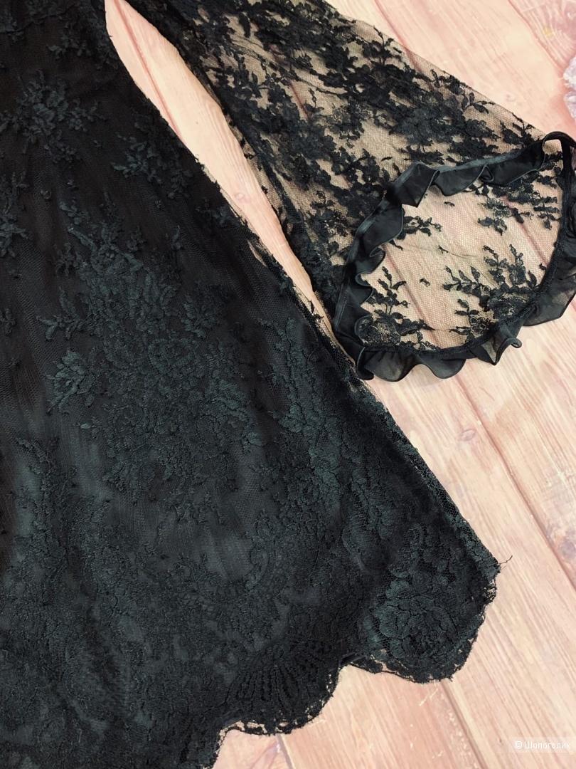 Кружевное платье от Escada S
