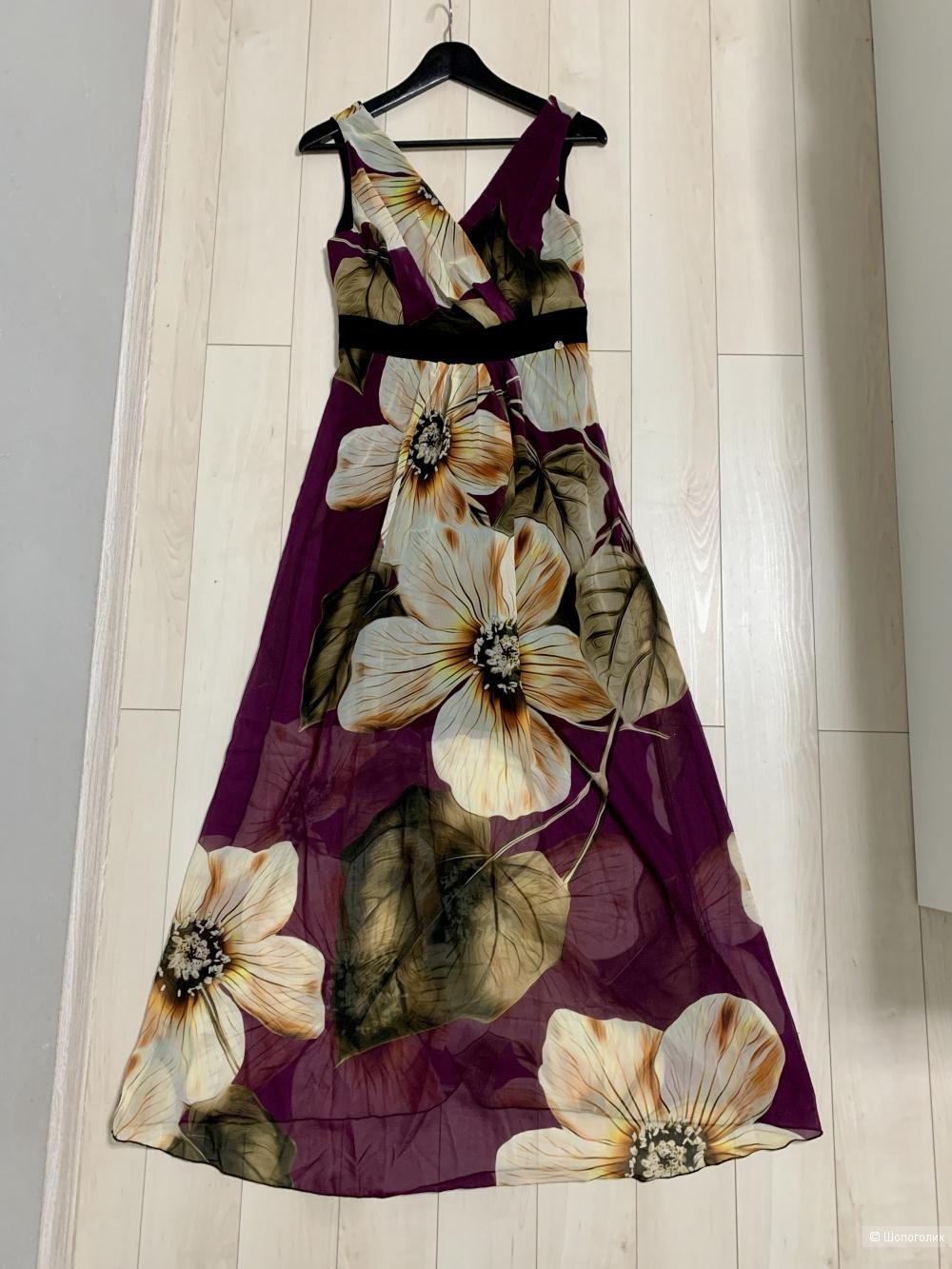Платье Rinascimento Италия 42-44