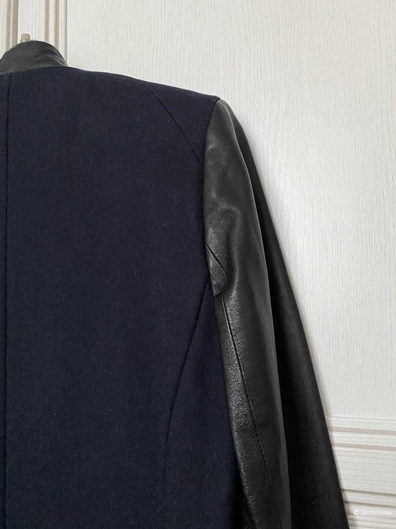 Пальто с кожаными рукавами Asos евро36
