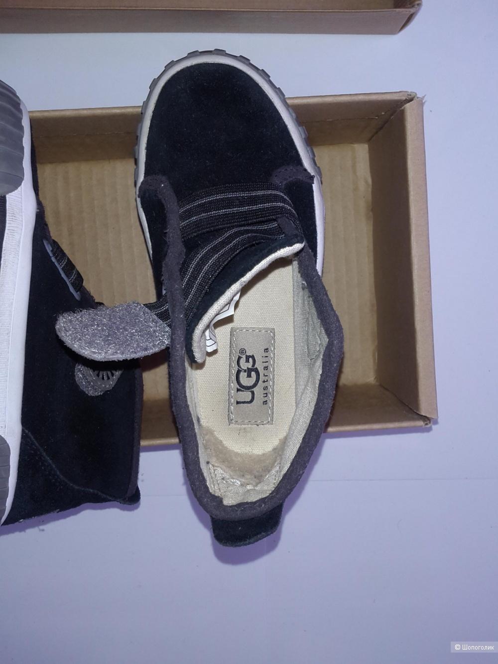 Ugg ботинки  детские размер 25