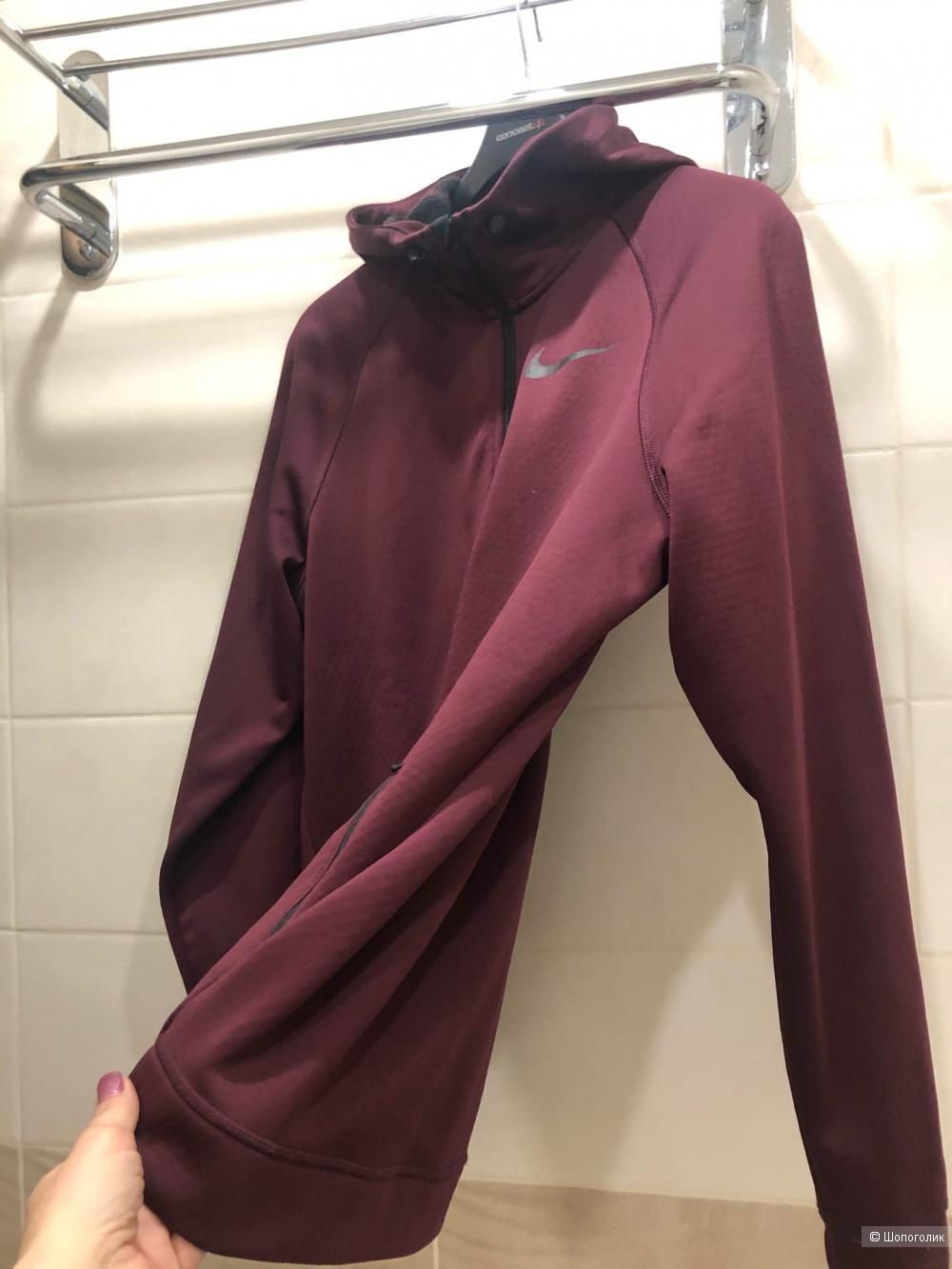 """Куртка """"Nike Dri-FIT""""Размер M-L."""