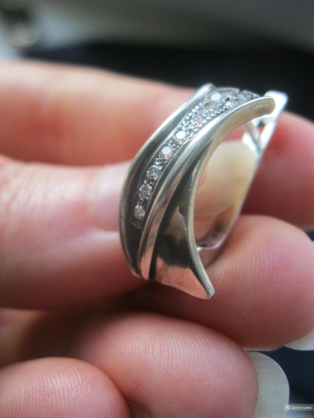 Винтажный серебряный комплект с фианитами  (серьги и кольцо)